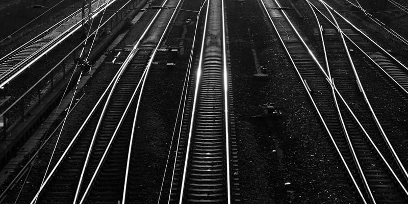 Intersecting rail tracks